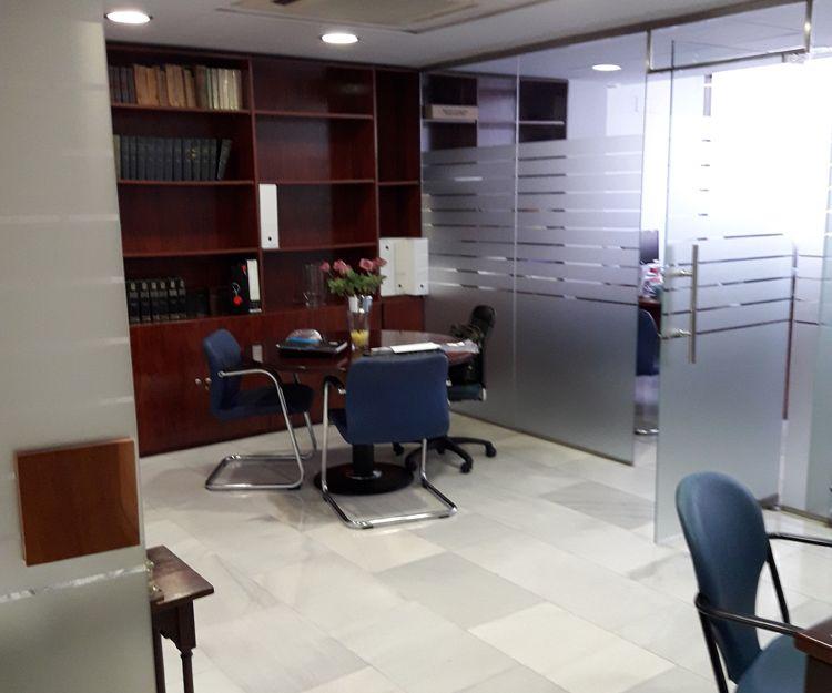 Separación de oficinas para despachos