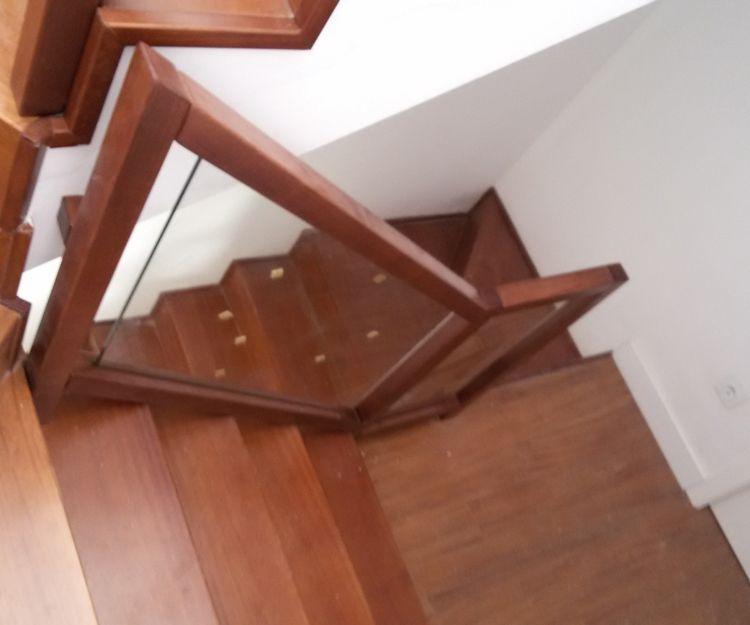 Escaleras con cristal