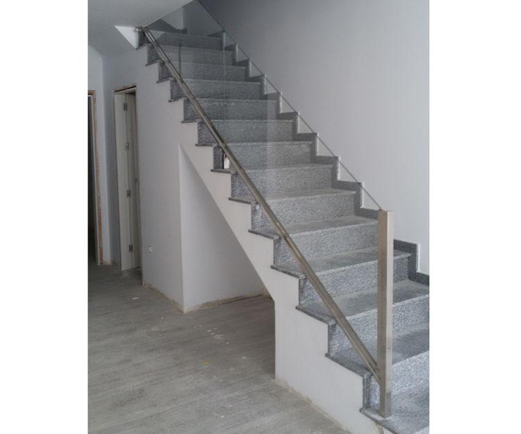 Escaleras de acceso de aluminio y cristal