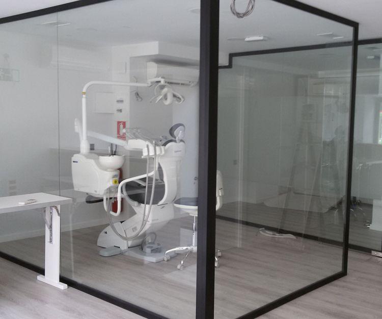Box de cristal para dentista
