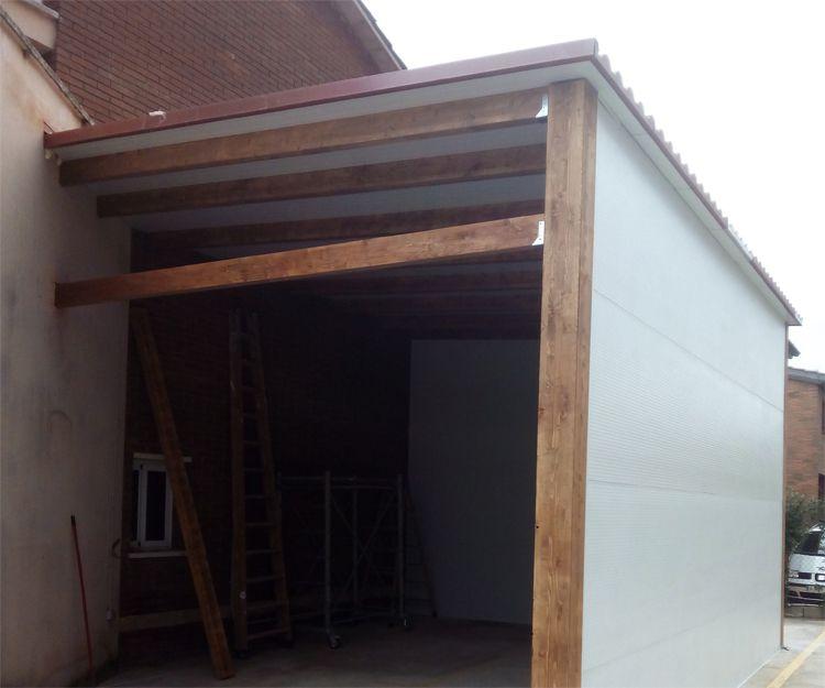 Garaje de madera para vivienda en en Sant Antoni de Vilamajor