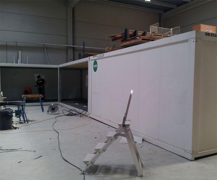 Instalación de contenedores para bar en Sant Antoni de Vilamajor