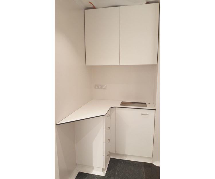 Instalación de muebles para laboratorio en Sant Antoni de Vilamajor