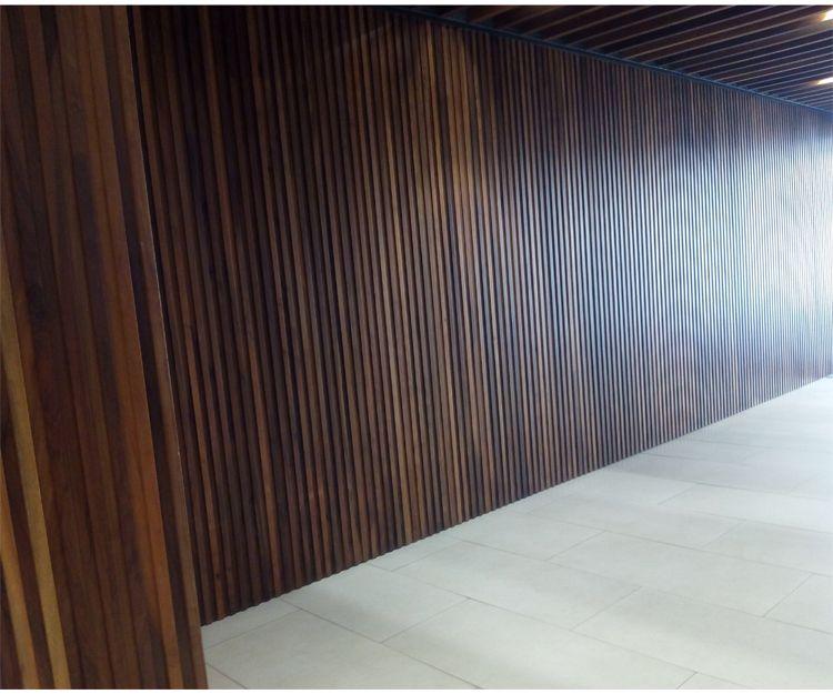 Instalación de paredes de madera en Sant Antoni de Vilamajor