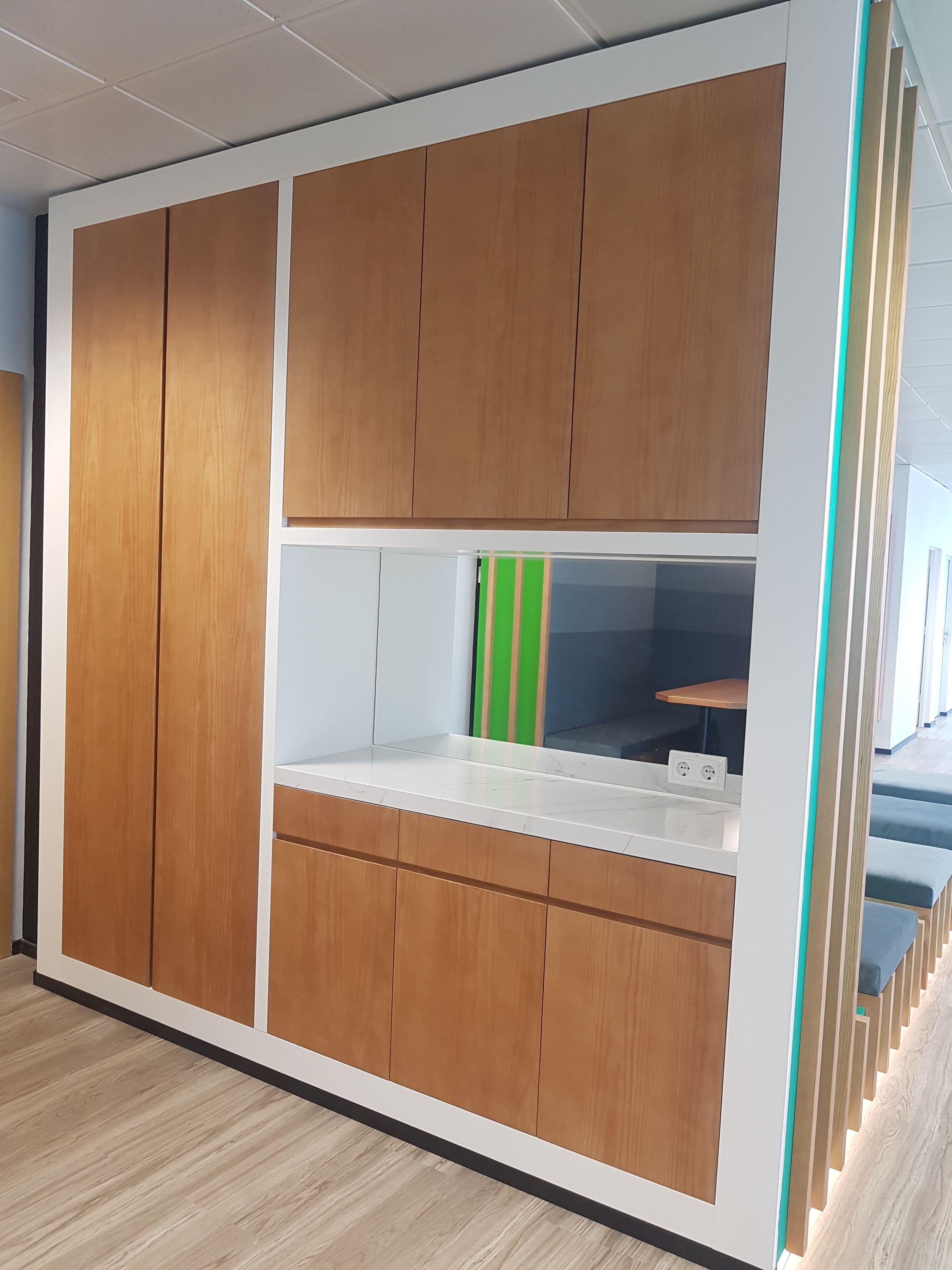 Muebles personalizados para empresas en Madrid
