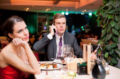 5 excusas para escapar de una cita aburrida