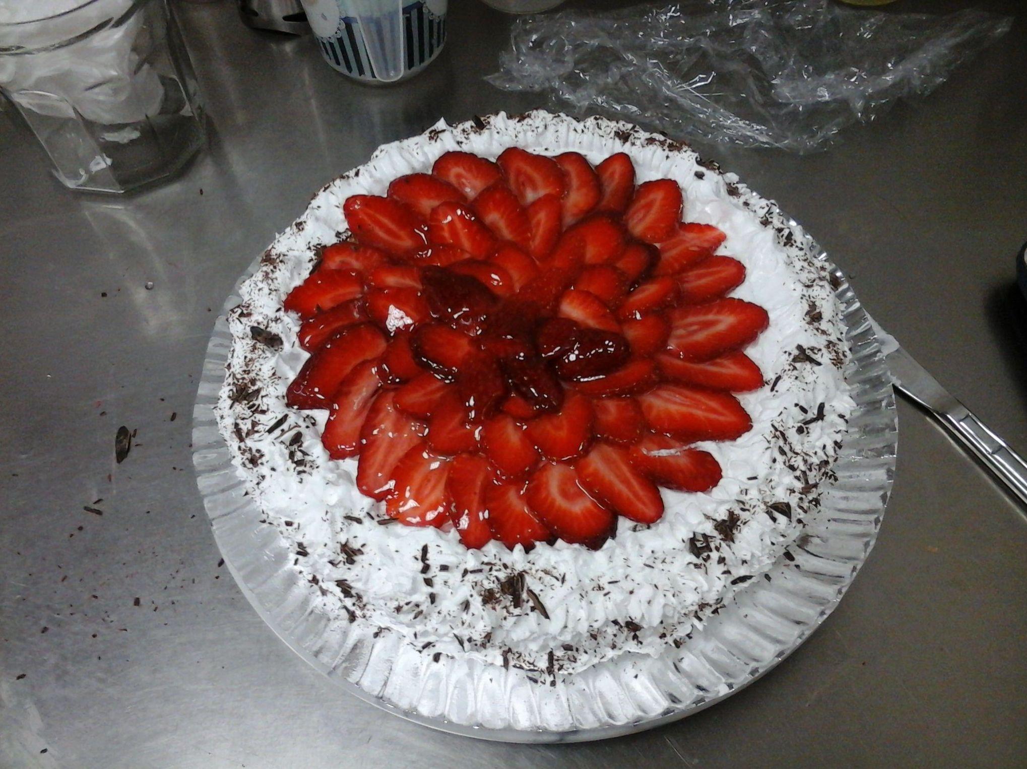 Gran tarta de fresa y nata