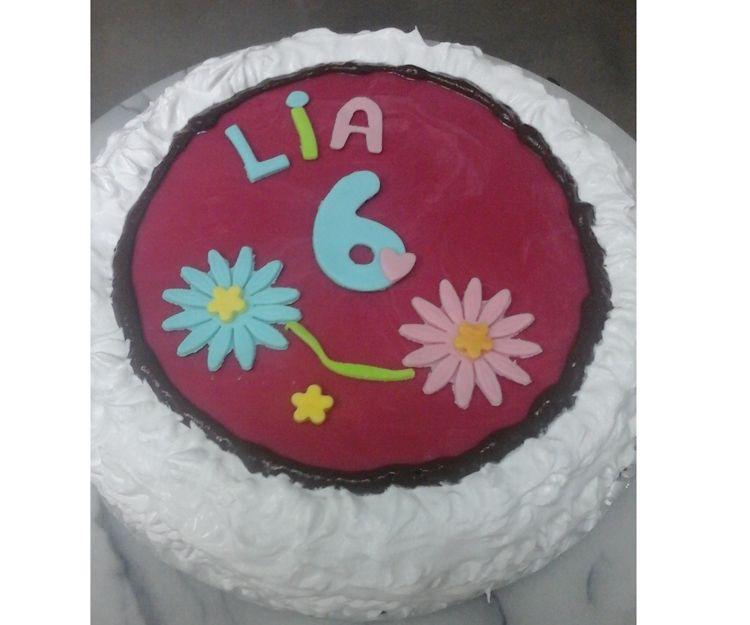 Tarta de cumpleaños par Lía