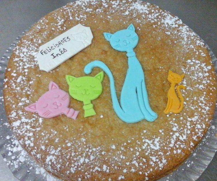 Tarta con gatitos