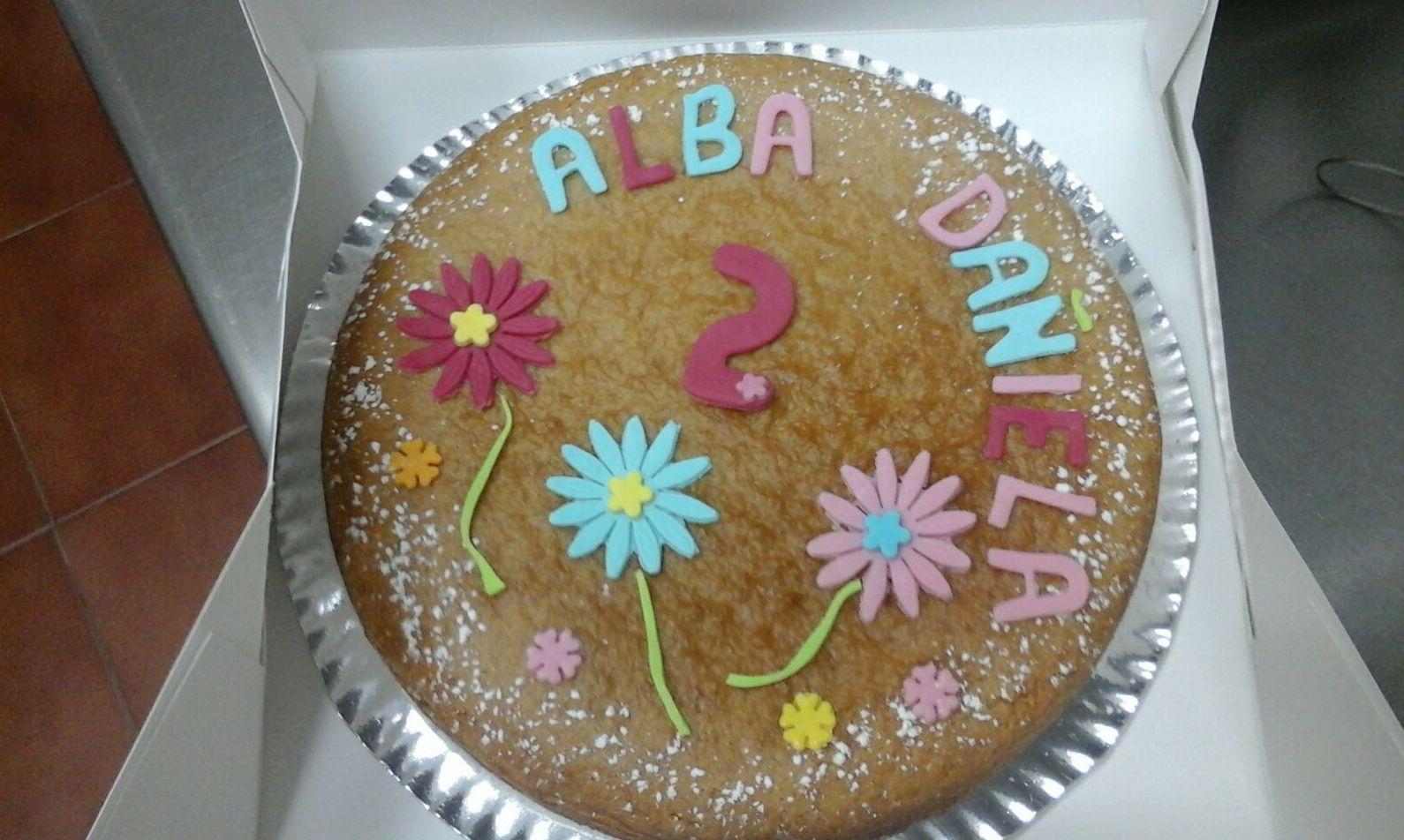 Tarta de cumpleaños para Alba y Daniela