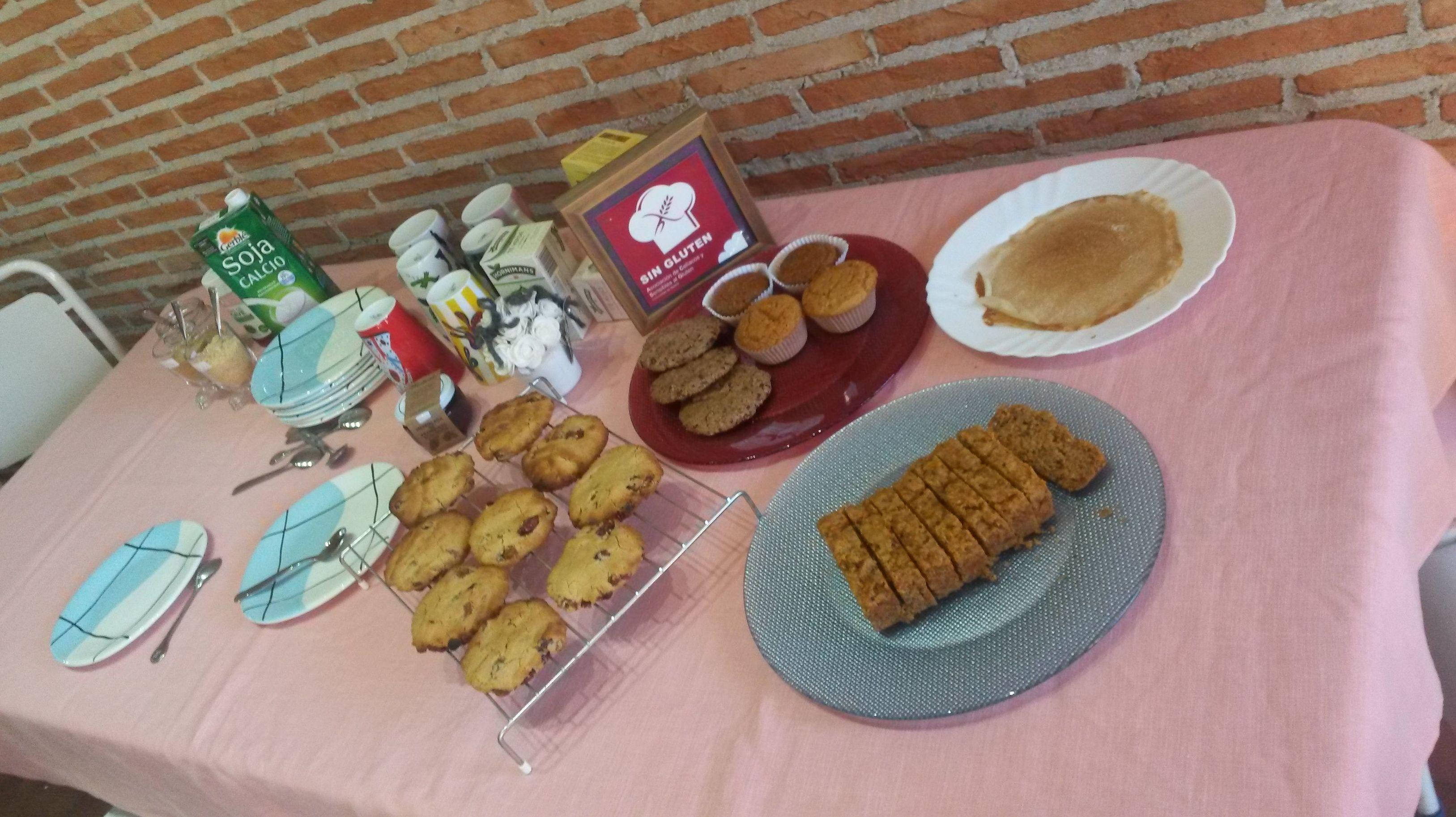 9nov  Santa Almudena Patrona de Madrid Desayunoss y merendiss a 1 eur   Waa