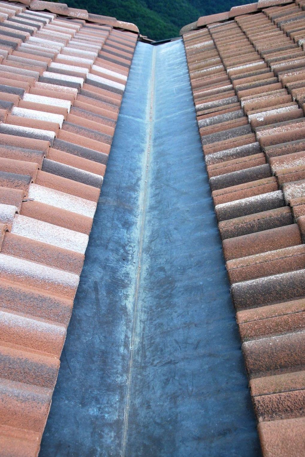 Trabajo de impermeabilización en tejados