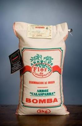 El chef Juan Antonio Medina promocionan el arroz de Calasparra