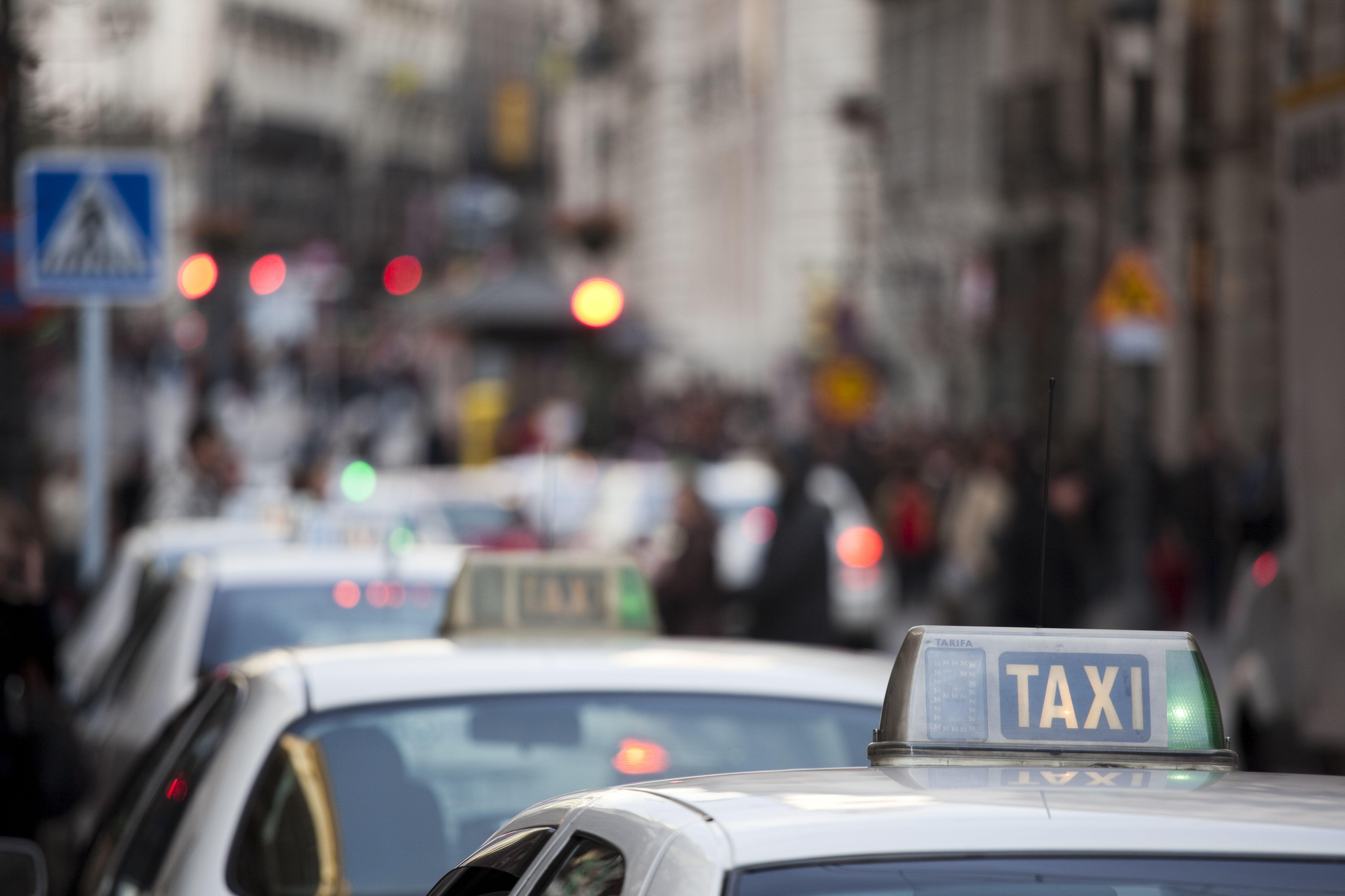 Amplia flota de vehículos: Servicios de Taxis Aeropuerto Madrid