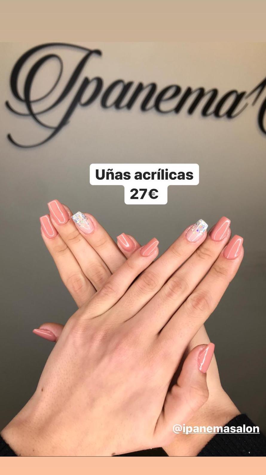 Uñas acrílicas en Ipanema Salón