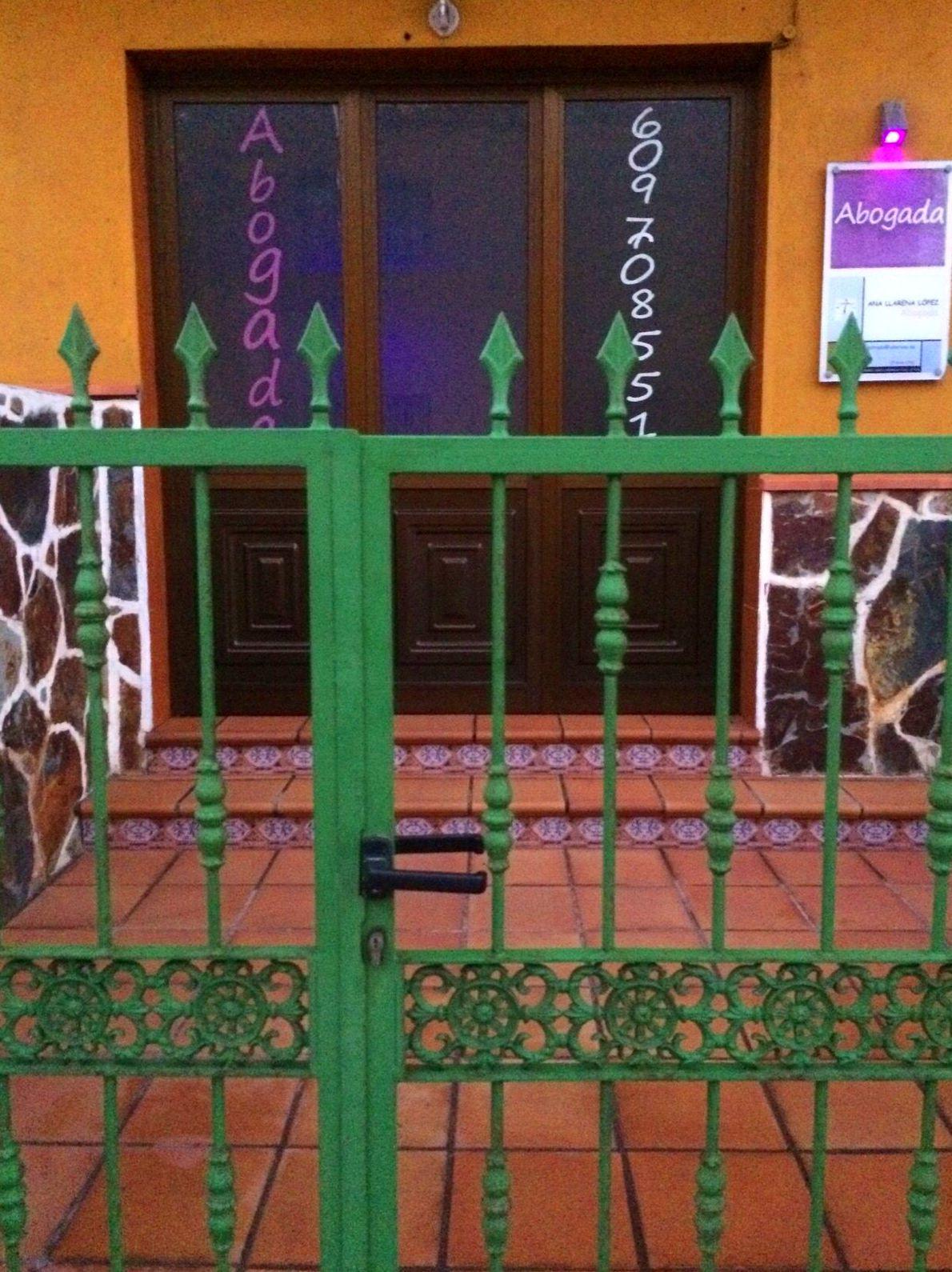 Foto 12 de Abogados en Candelaria | Consultoría y Defensa Legal Ana Llarena López