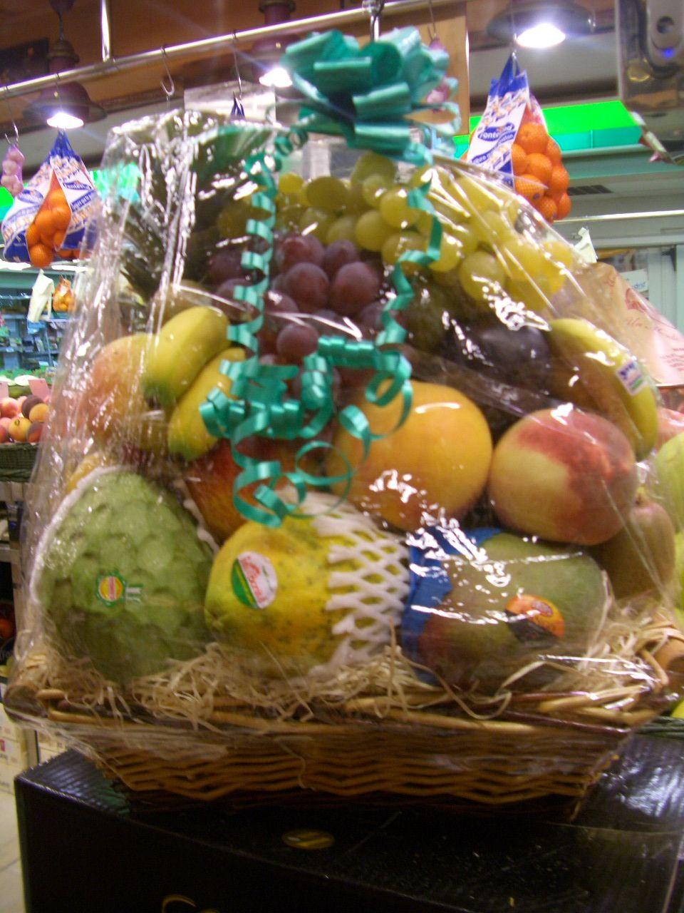 cesta de frutas mundifruit