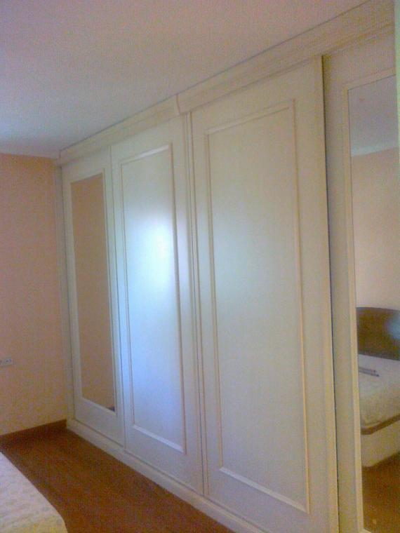 armario puertas deslizantes y espejo
