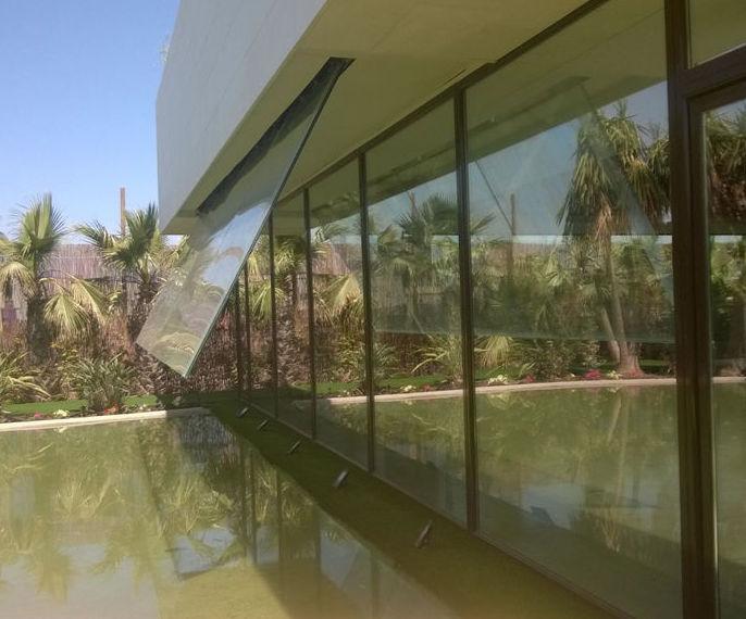 Cascada de vidrios : Catálogo de LMC Glass