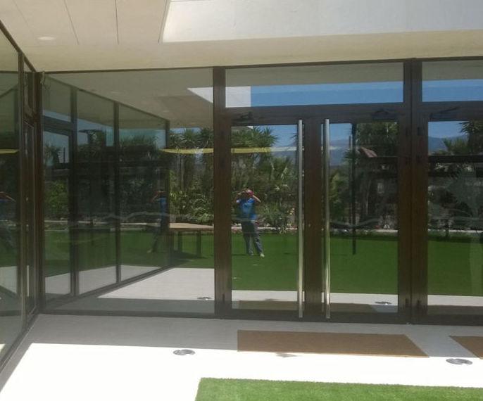 Puertas:  de LMC Glass