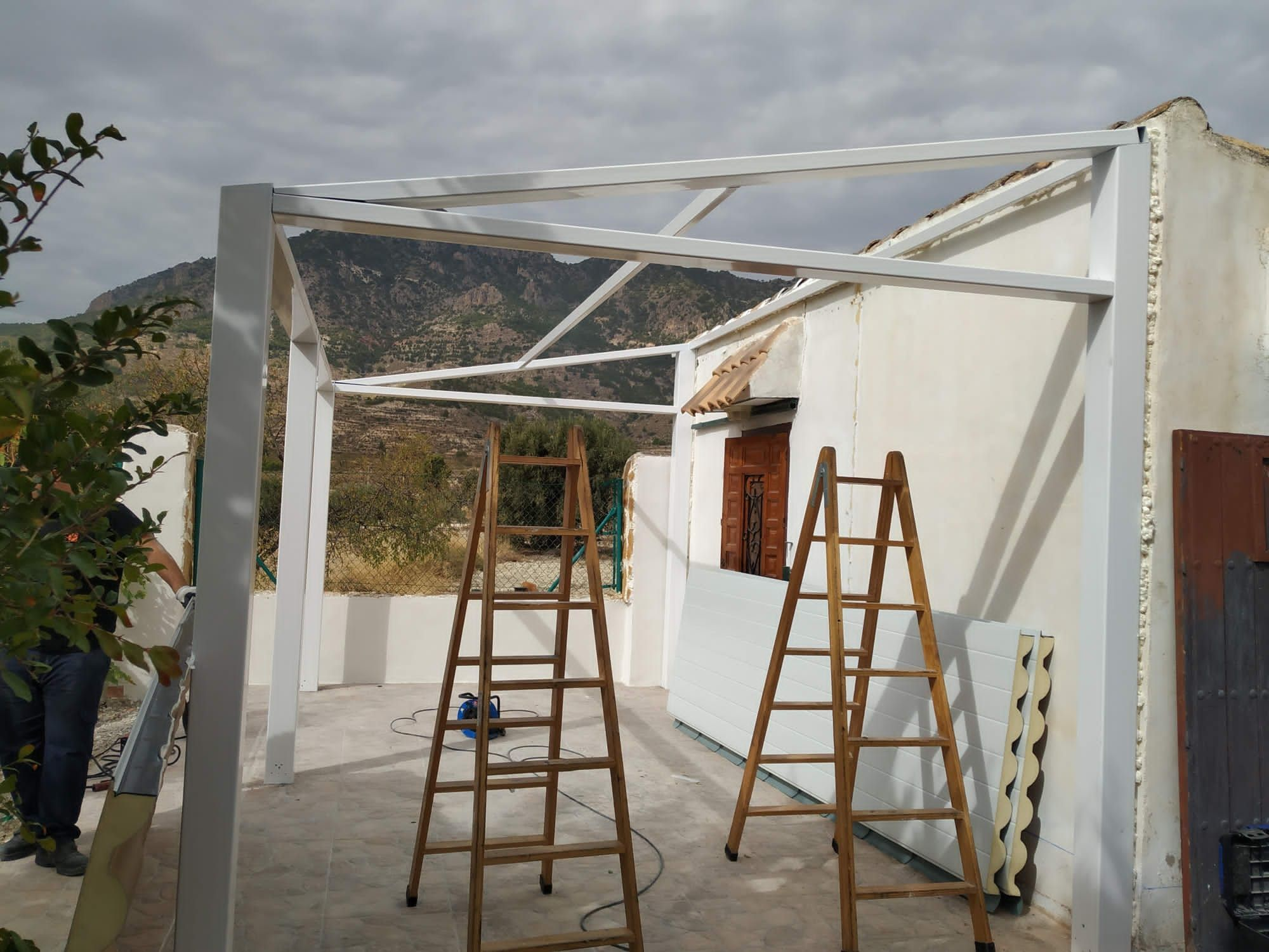 Estructura de porche:  de LMC Glass