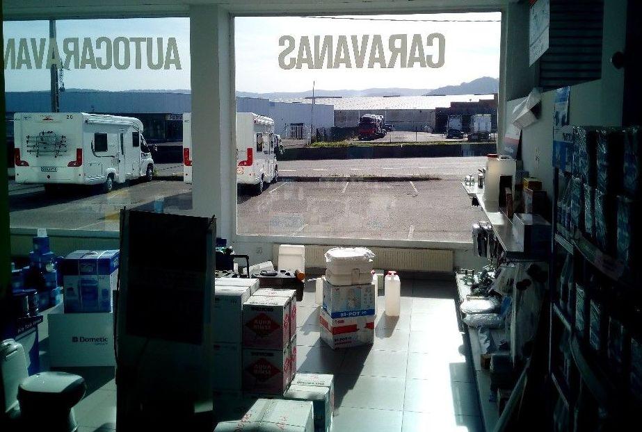 Tienda de Accesorios. Caravanas Costa Verde