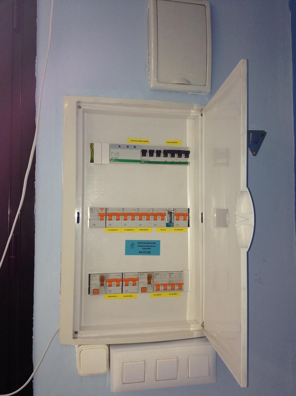 Instalaciones eléctricas: Servicios de Jaco Construcciones