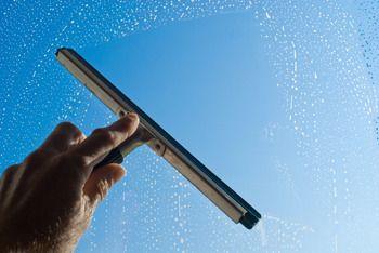 Limpieza de cristales, ventanas y persianas: Servicios de Limpiezas Lozano