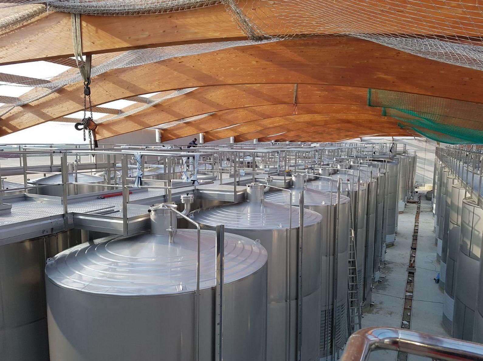 Foto 22 de Climatización industrial en Boadilla del Monte | Estein Instalaciones, S. L.