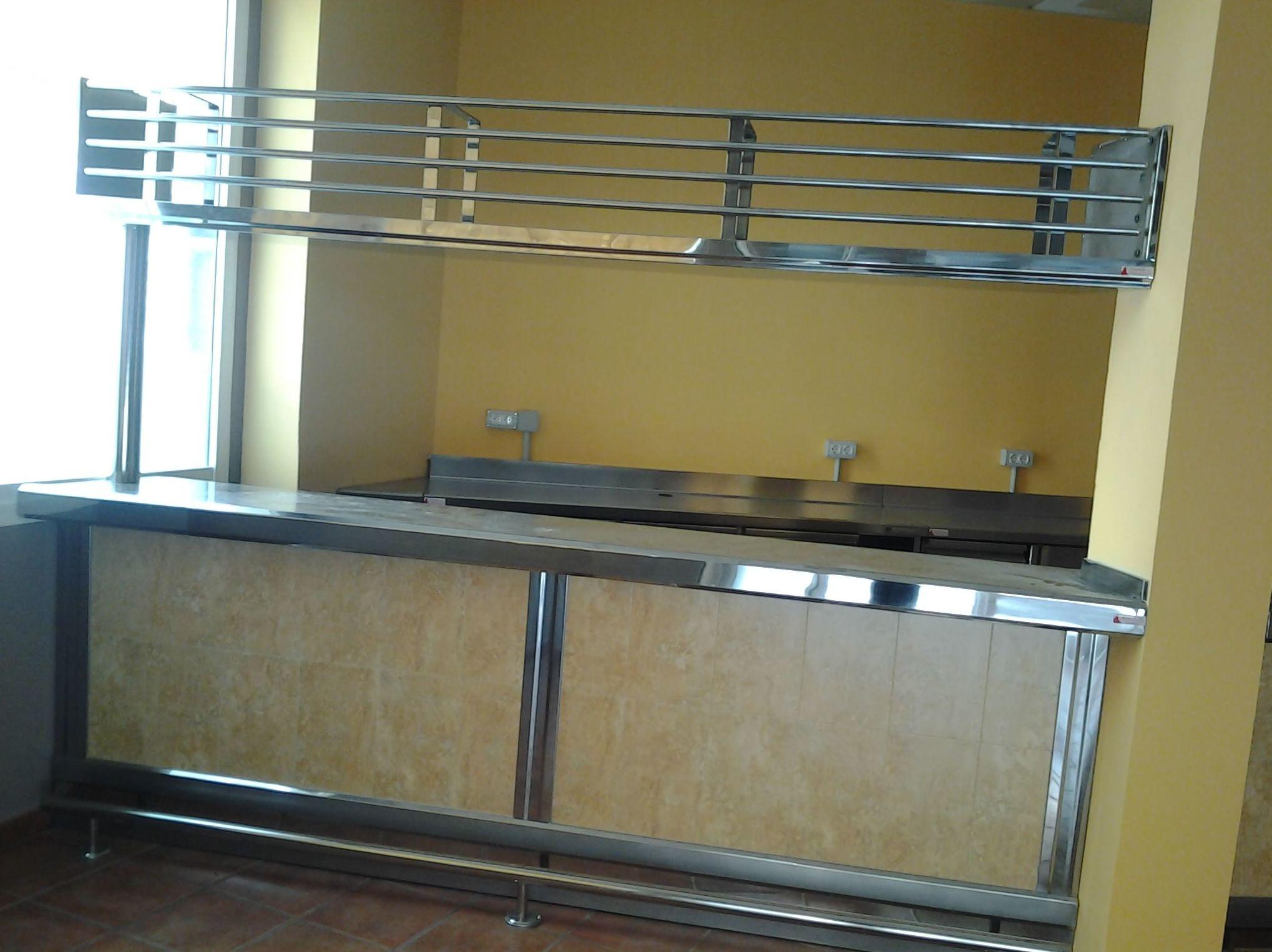 Especializado en la fabricación e instalación de elementos fabricados en acero inoxidable
