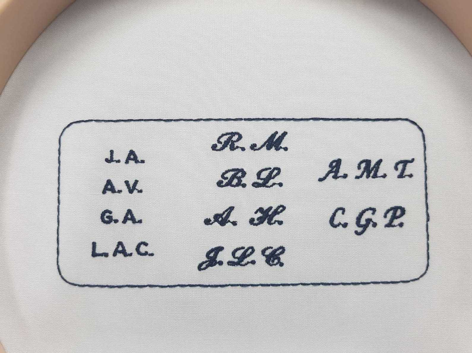 Bordado iniciales camisas Ciudad Real
