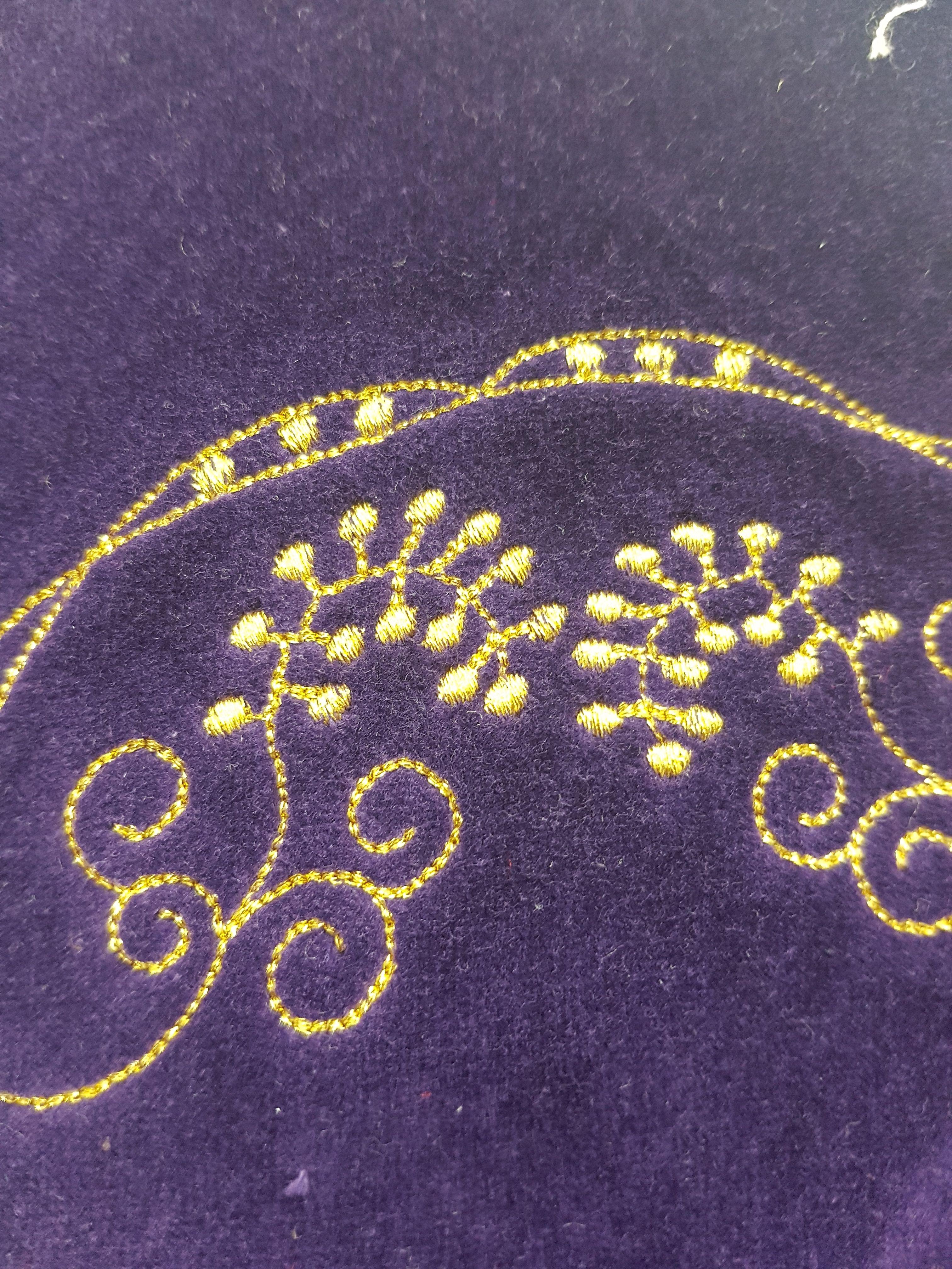 Diseño y confección de bordado para todo tipo de prendas en Toledo