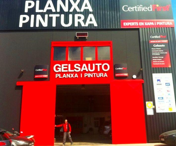 Foto 1 de Talleres de chapa y pintura en Sitges | Gelsauto
