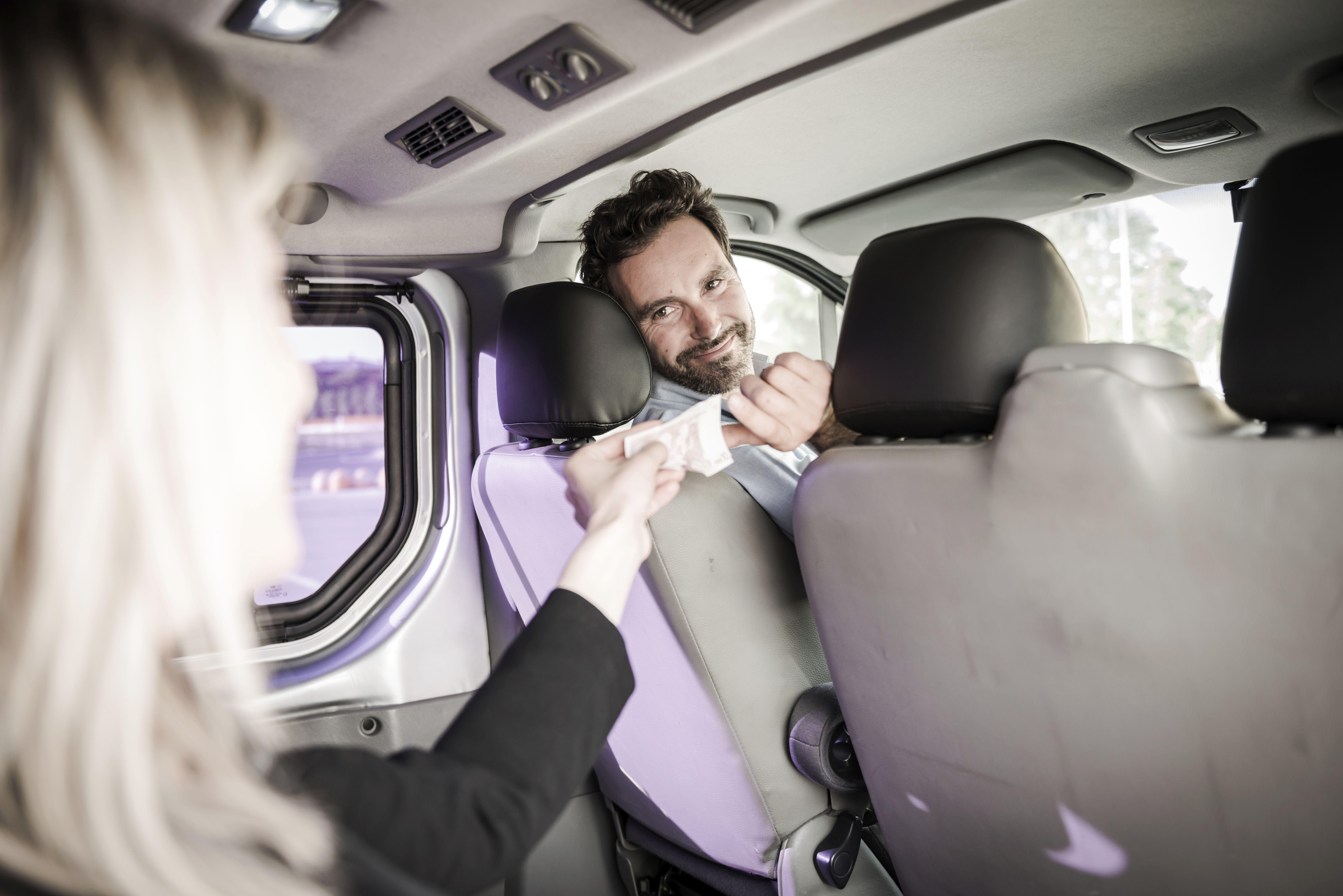 Método de pago: Servicios de Taxi de Lujo