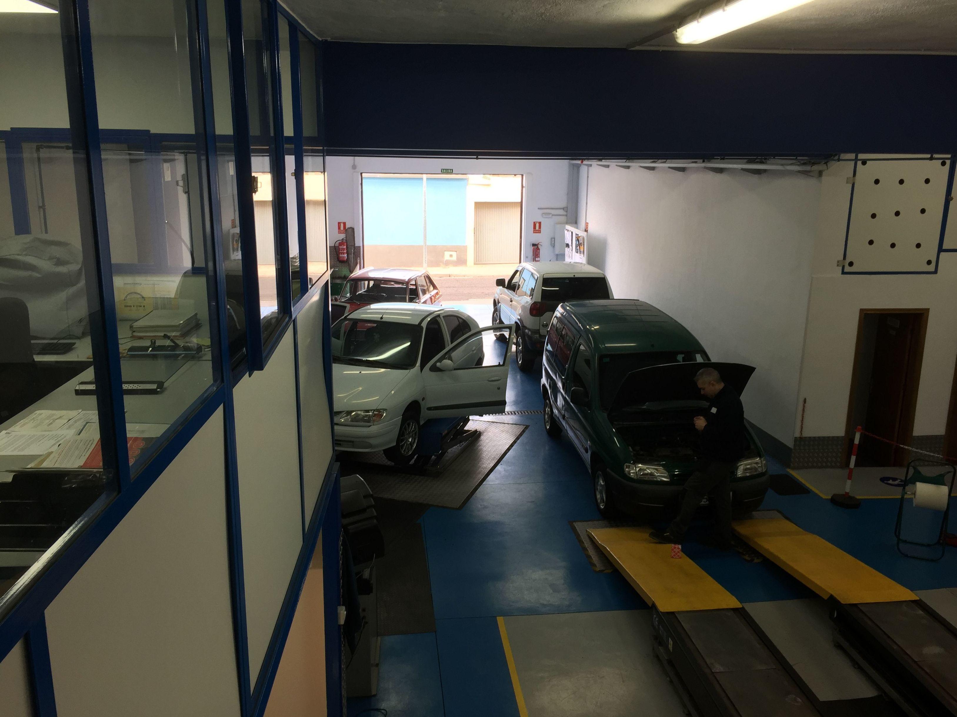 Foto 92 de Talleres de automóviles en Tacoronte | Centro Auto Dahsys