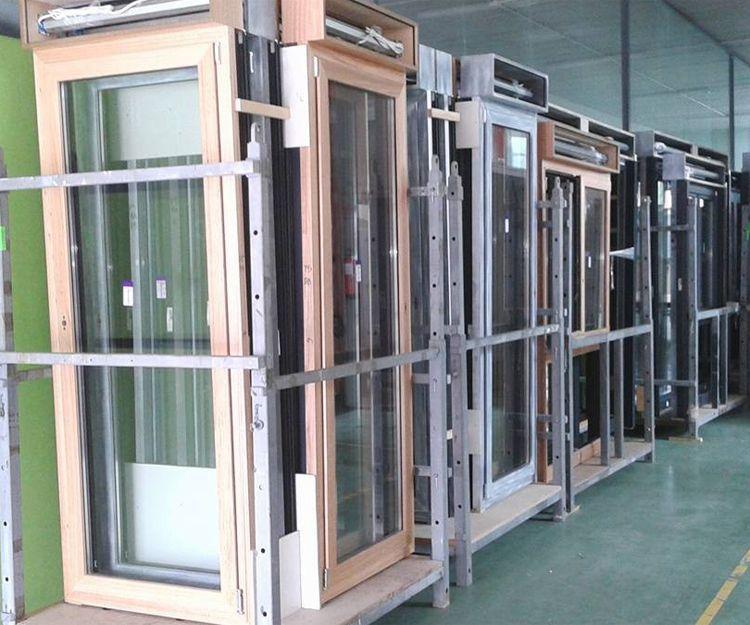 Expositor de ventanas y puertas