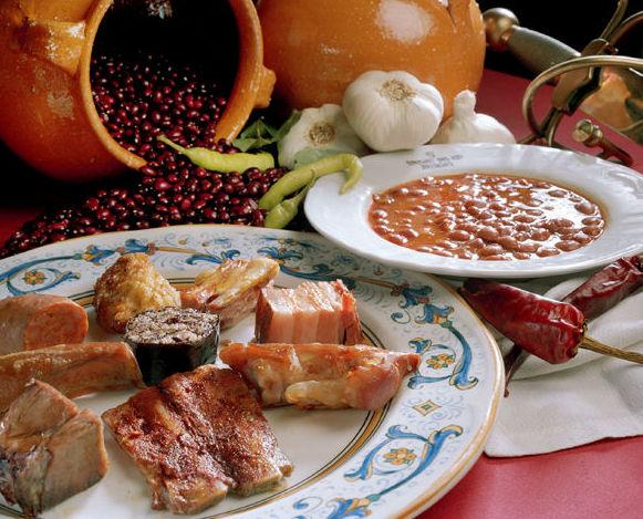 Platos de cuchara: Nuestra Carta y Servicios de Restaurante Mesón Del Cid