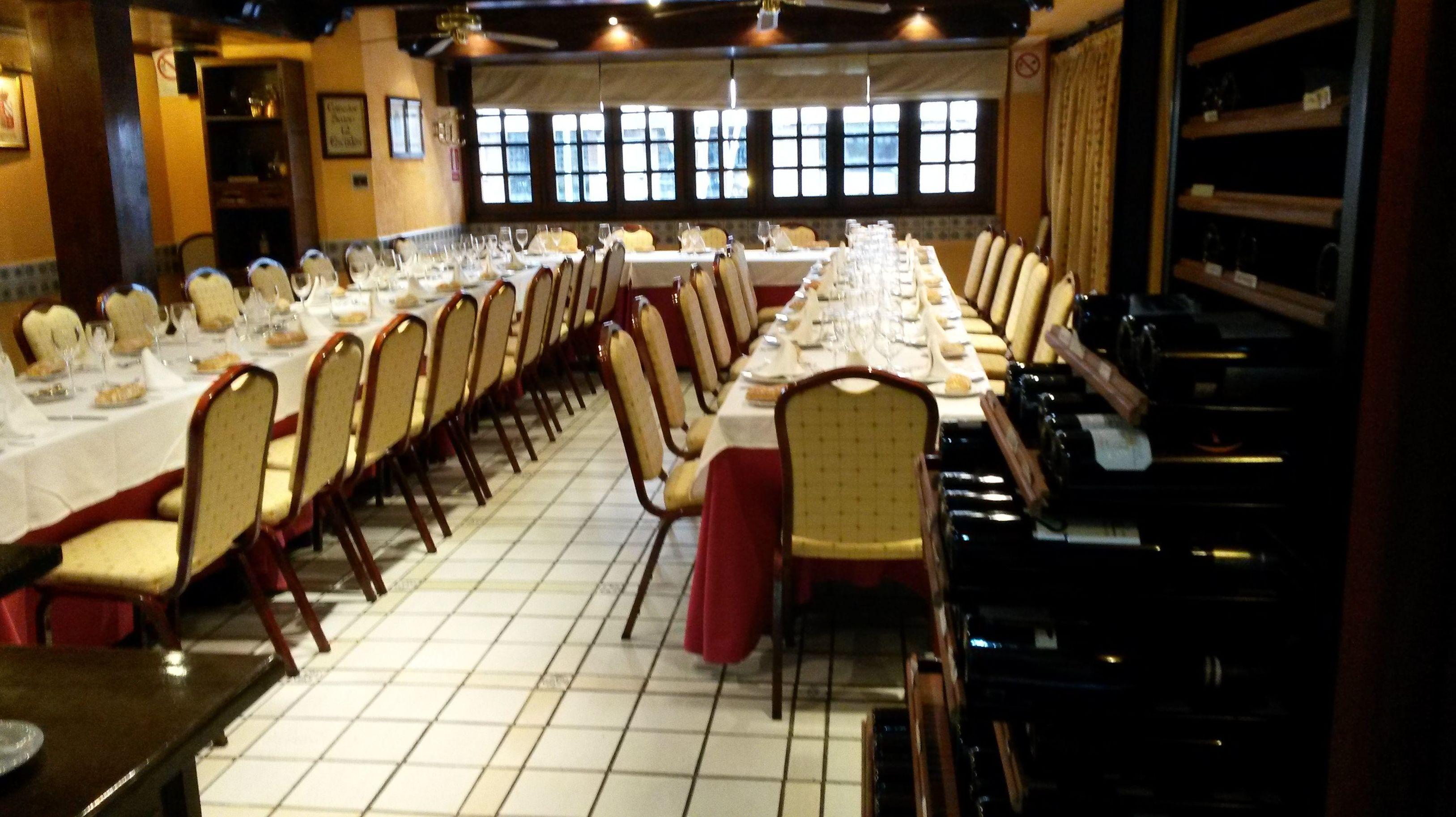 Foto 42 de Cocina tradicional en Madrid | Restaurante Mesón Del Cid