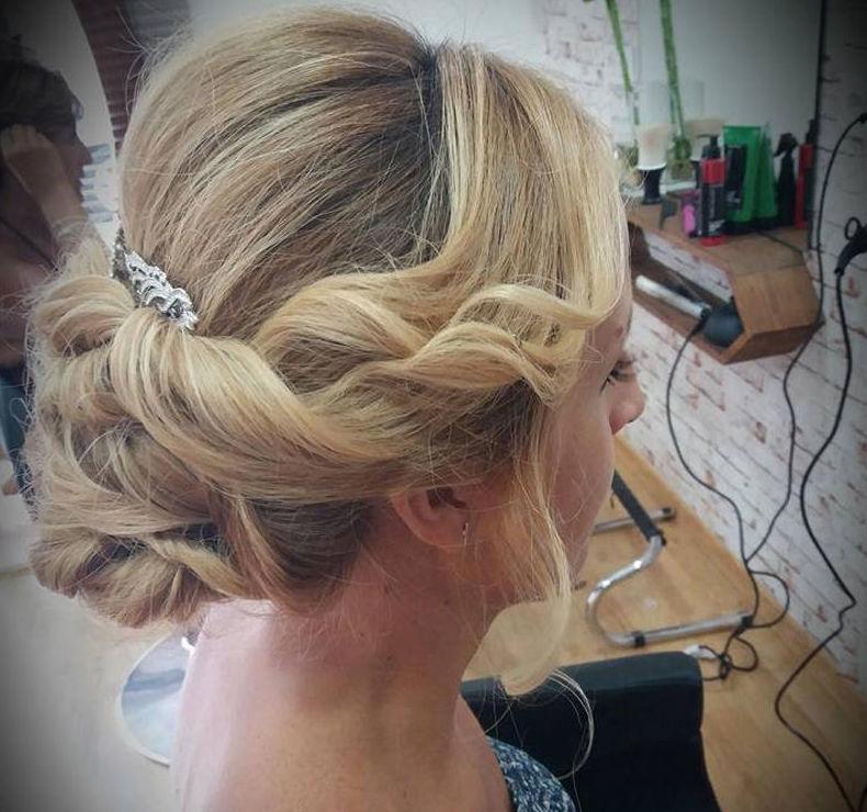 Peinados y recogidos para novias