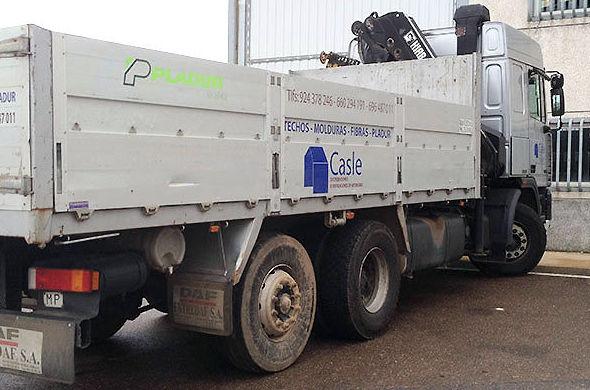 Reparto de materiales de tabiquería seca en Badajoz