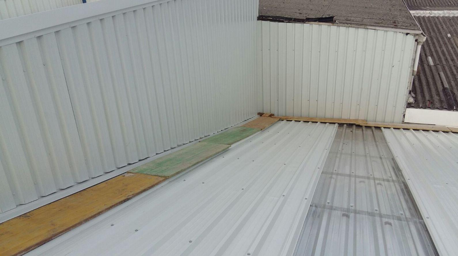 Especialistas en cubiertas y prefabricados metálicos