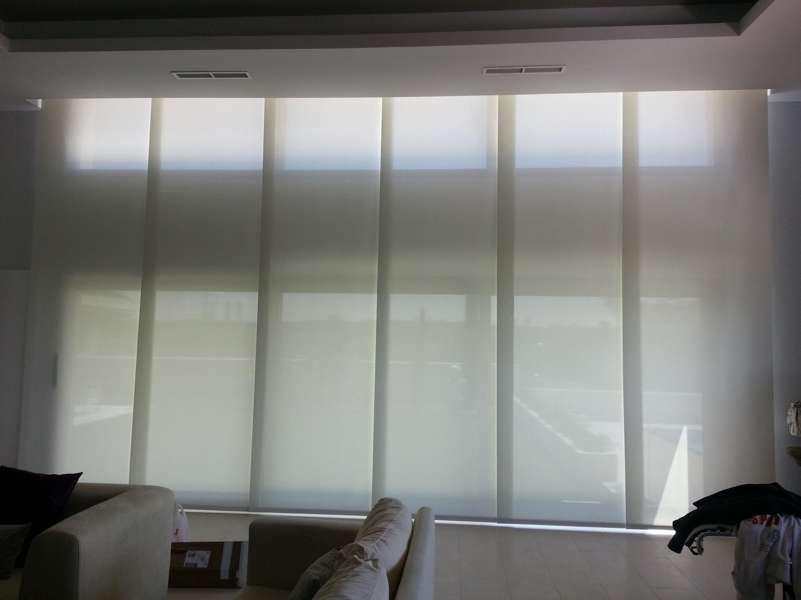 Paneles de screen para grandes ventanales