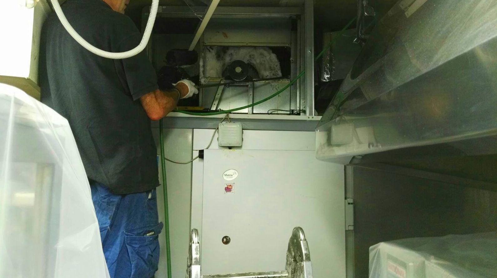 Aplicación de producto .en Rodete y alabes interior de ventilador