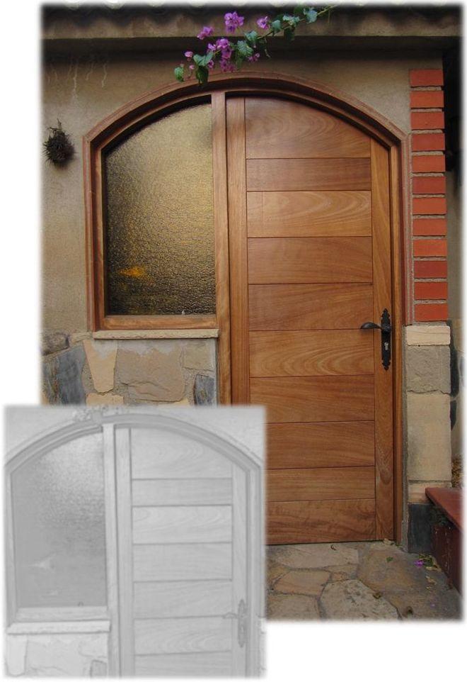 Puerta de madera para dependencia auxiliar