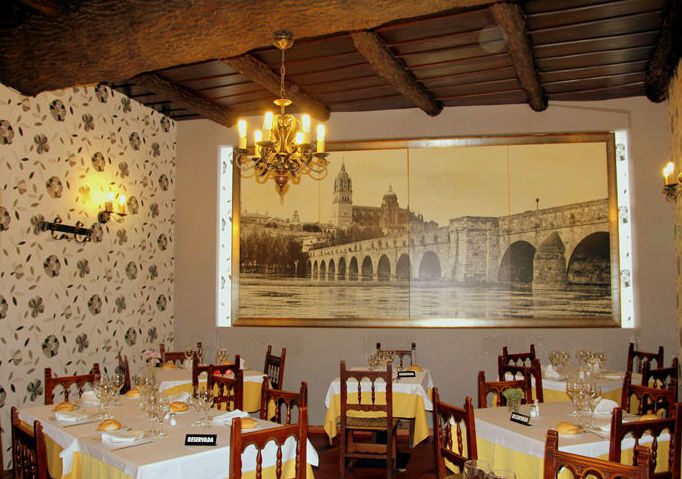 Celebramos en nuestros salones cualquier evento con la mejor cocina tradicional castellana