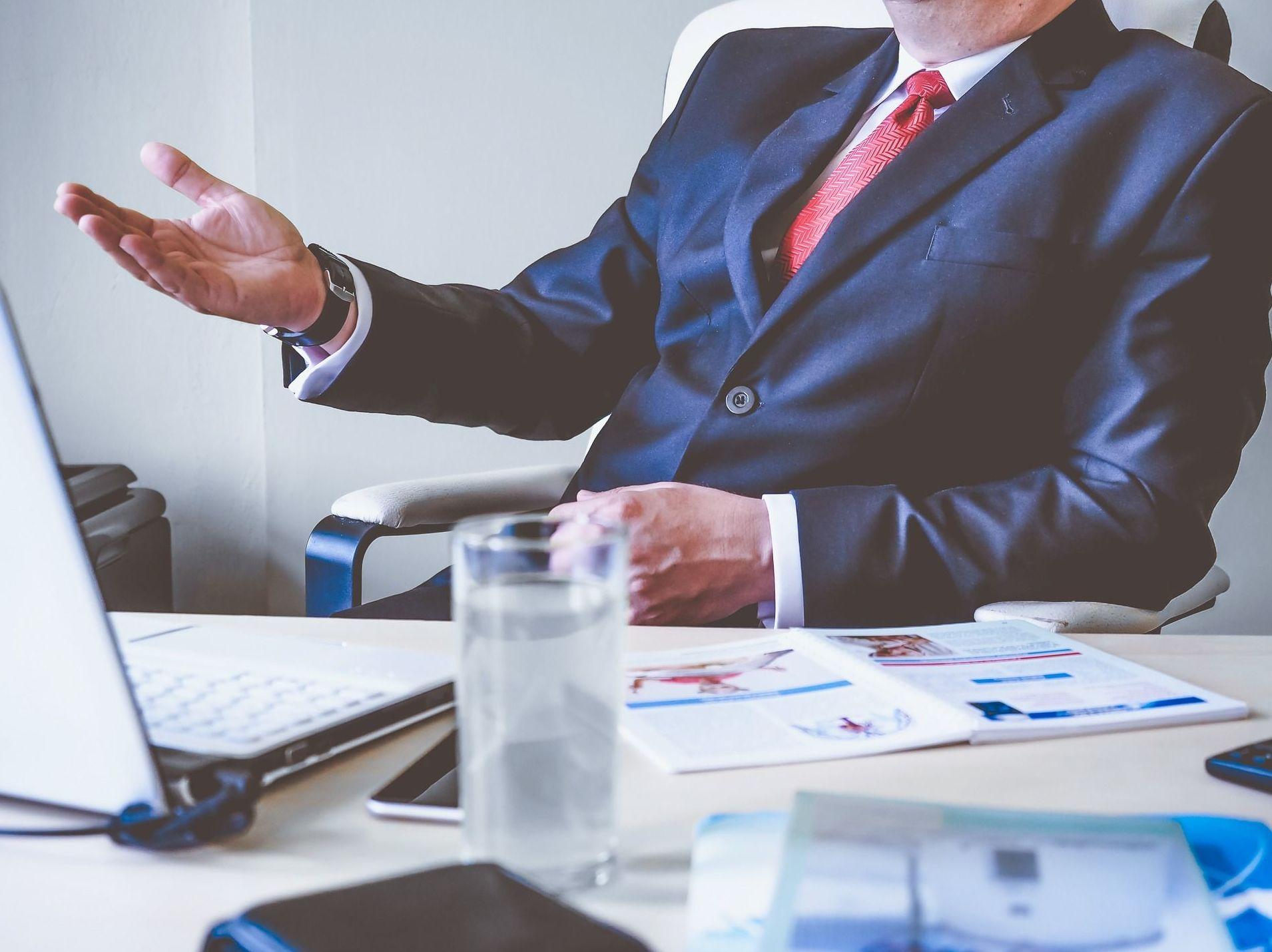 Seguro Responsabilidad Civil para Presidente y Junta Rectora: Servicios de MGR Empresas y Colectivos