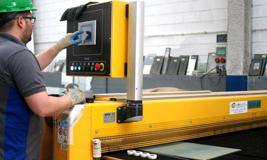 Maquinaria de precisión para el procesado del vidrio