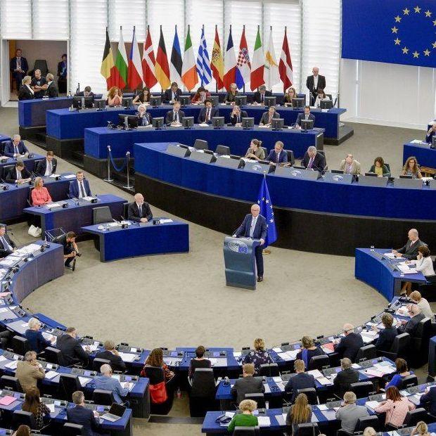 Europa endurece los límites de emisiones de CO2 de los camiones