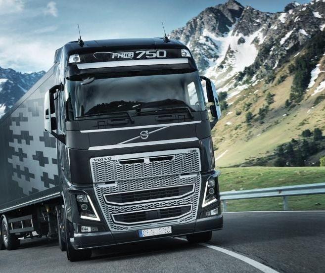 Volvo Trucks presenta sus motores mejorados