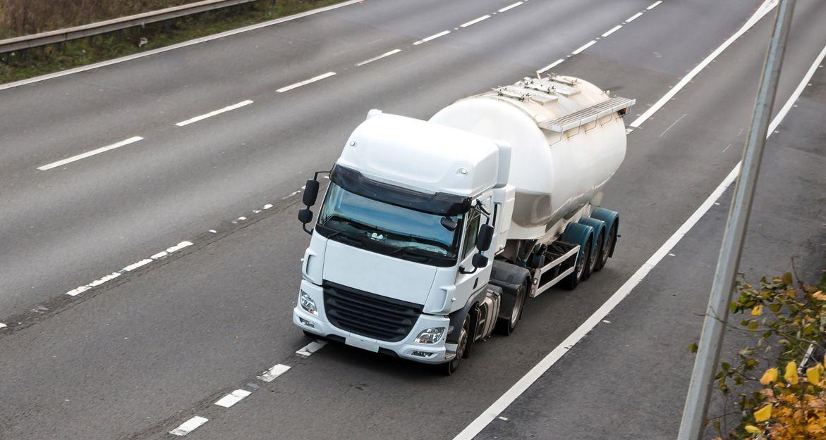Camiones cisterna para líquidos no inflamables